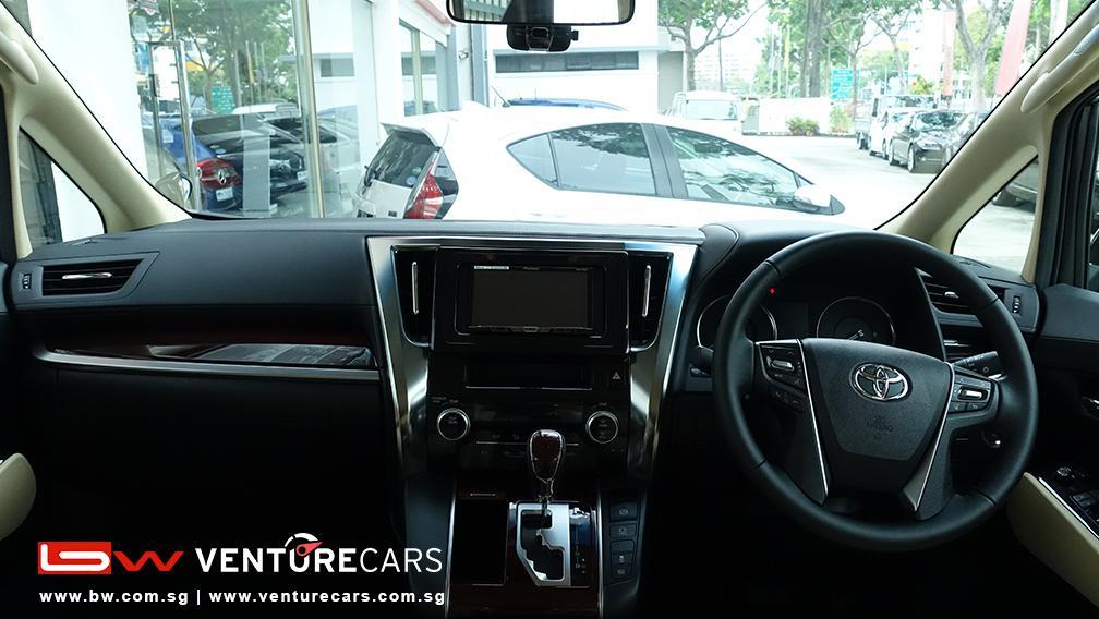 Toyota Alphard 2 5x 8 Seater Venture Cars Singapore